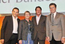 Die stellvertrenden Parteichefs des BZÖ mit Josef Bucher am Parteitag 2009
