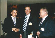 Sozialminister Herbert Haupt, Sir Roger Moore und Gerald Grosz im UN-Hauptquartier in New York